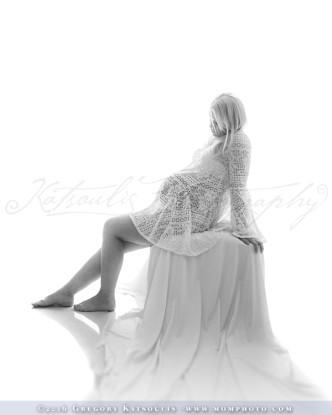 elegant maternity portraits